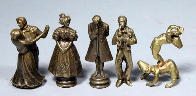 Антикварные бронзовые миниатюры