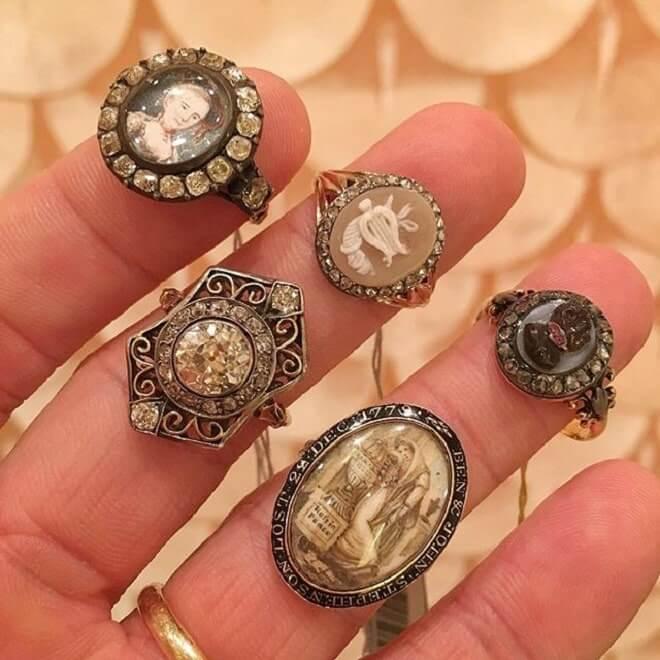 Оценка антикварных ювелирных украшений