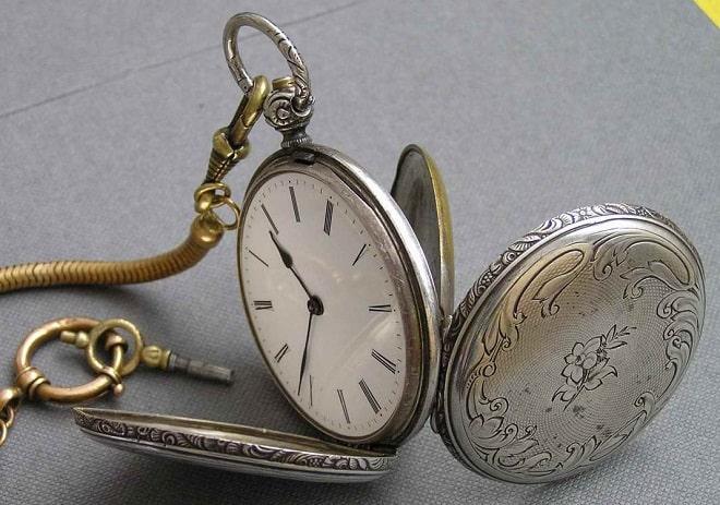 Скупка антикварных часов в Москве