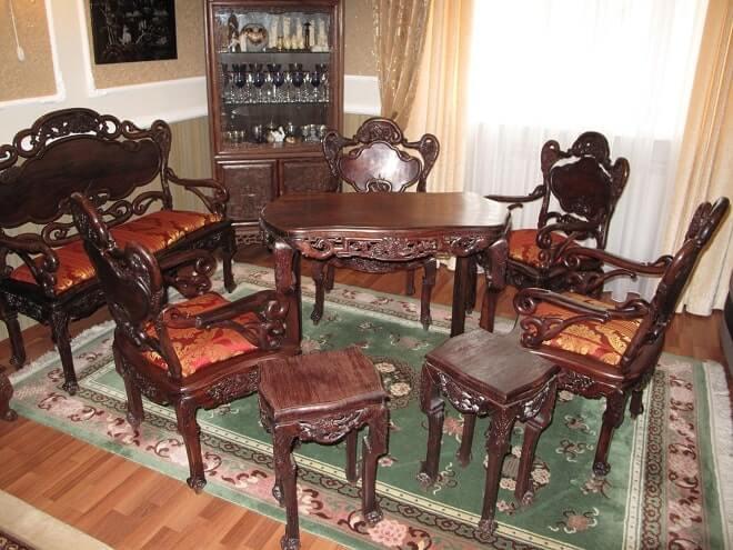 Как продать антикварную мебель в Москве